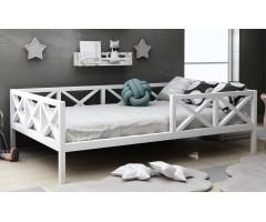 Красивая одноярусная кровать Микки из дерева